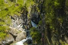 спуск к водопаду на реке Кынгырга, Восточный Саян