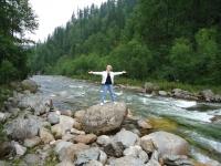 впадающая в Байкал горная река Солзан